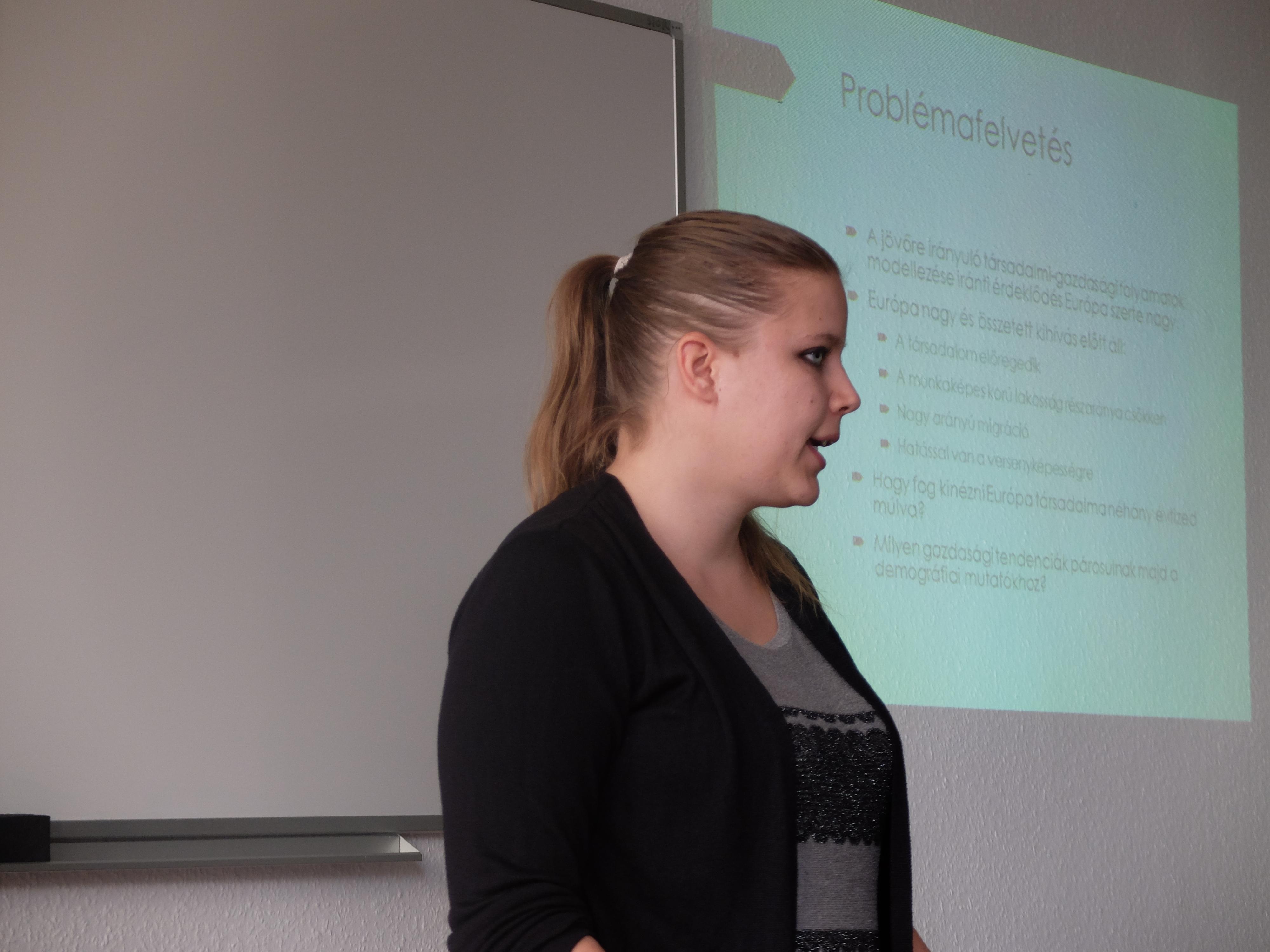 Honvári Patrícia előadása a Magyar Regionális Tudományi Társaság XIII. Vándorgyűlésén, Egerben, 2015. november 20-án