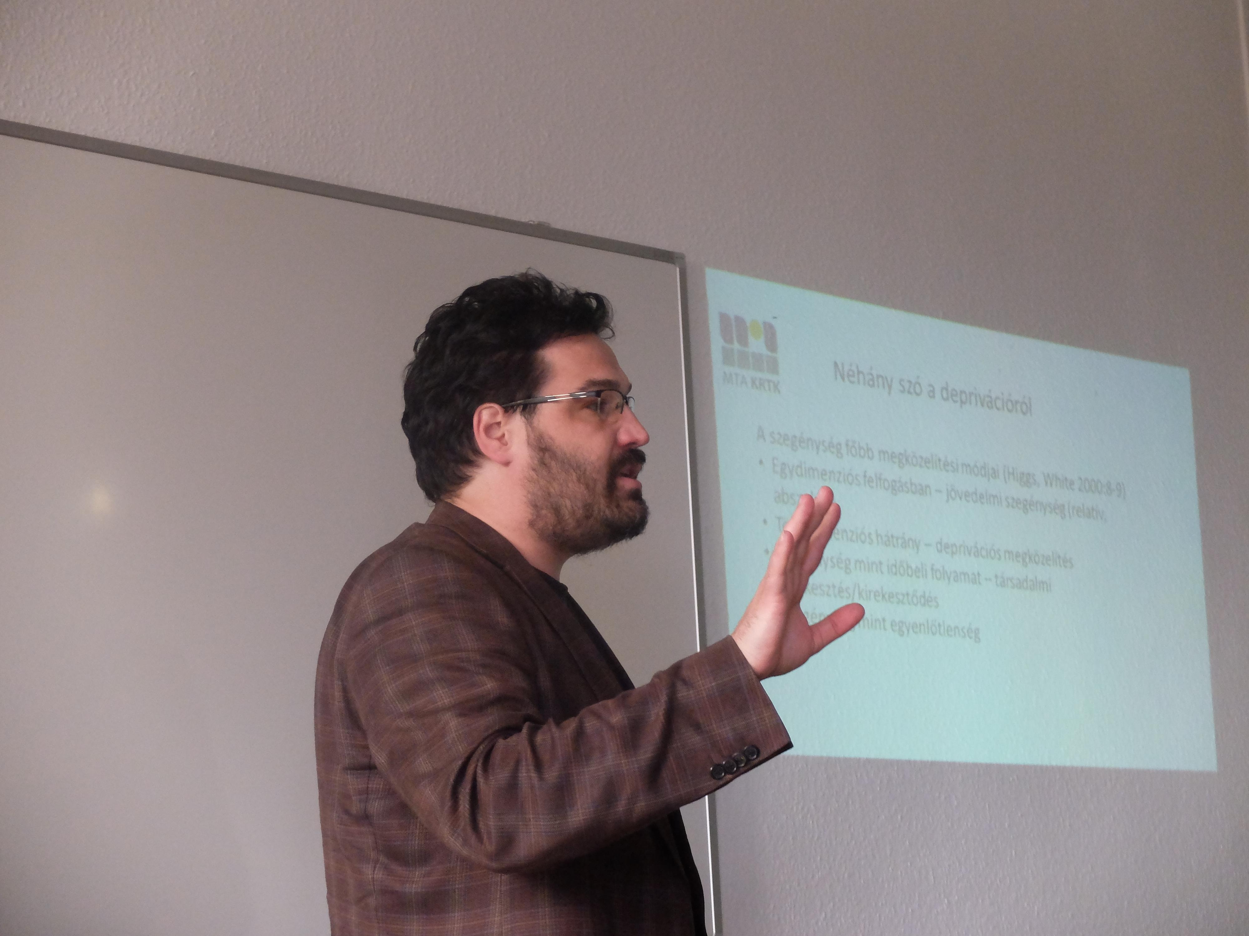 Koós Bálint előadása a Magyar Regionális Tudományi Társaság XIII. Vándorgyűlésén, Egerben, 2015. november 20-án